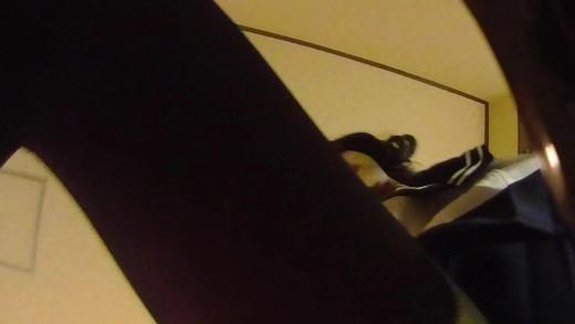 セーラー服の女王様(生理中)に脚踏み・顔面騎乗・手コキをしていただきました![ウェアラブルカメラ版]
